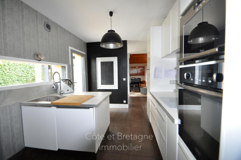 Beautiful maison a vendre cuisine moderne images amazing for Cuisine moderne dans l ancien