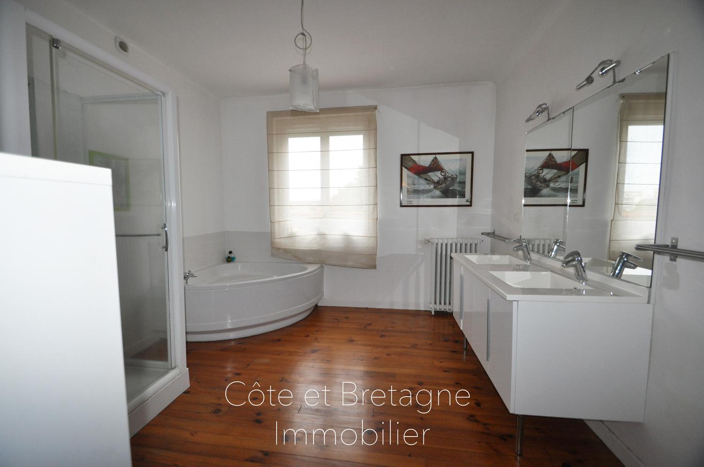 Maison vendre saint brieuc 5chambres cote et - Salle de bain saint brieuc ...