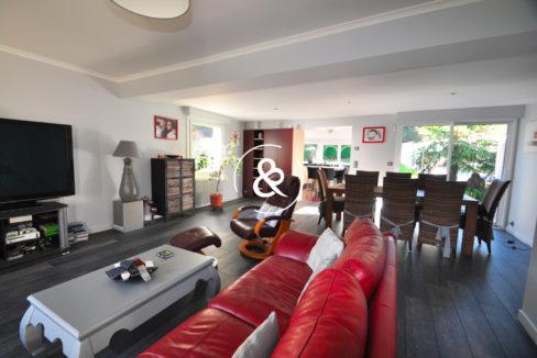 maison-a-vendre-tregueux-cinq-chambres-salon-salle-a-manger