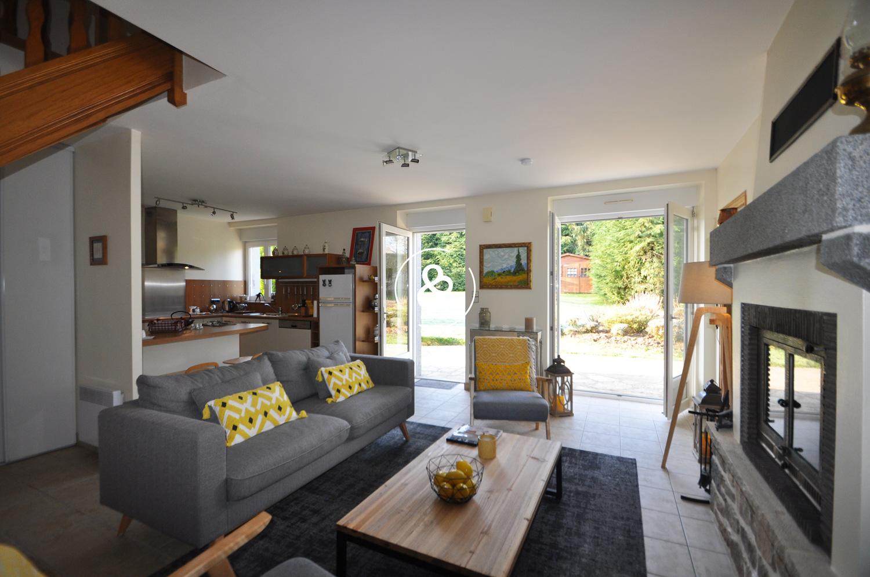 maison a vendre belle longere renovee cote et. Black Bedroom Furniture Sets. Home Design Ideas