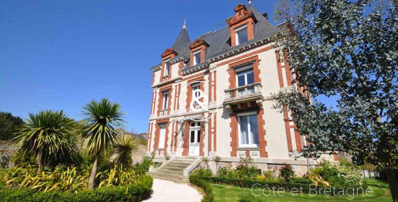 maison-a-vendre-guingamp-saint-brieuc-demeure-luxe-piscine-13