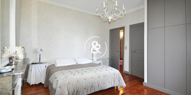 a_vendre_maison_demeure_propriete_bretagne_saint-brieuc_centre_ville_architecte_1860_garage_cheminee_cote_et_bretagne_immobilier_prestige_03