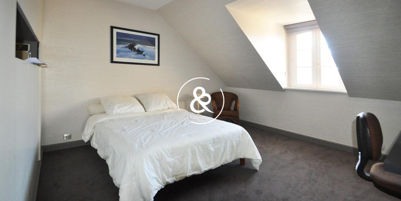 a_vendre_maison_demeure_propriete_bretagne_saint-brieuc_centre_ville_architecte_1860_garage_cheminee_cote_et_bretagne_immobilier_prestige_07