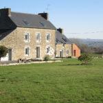 A_vendre_maison_demeure_propriete_plouguenast_campagne_renovee_pierres_cote_et_bretagne_immobilier_luxe_prestige