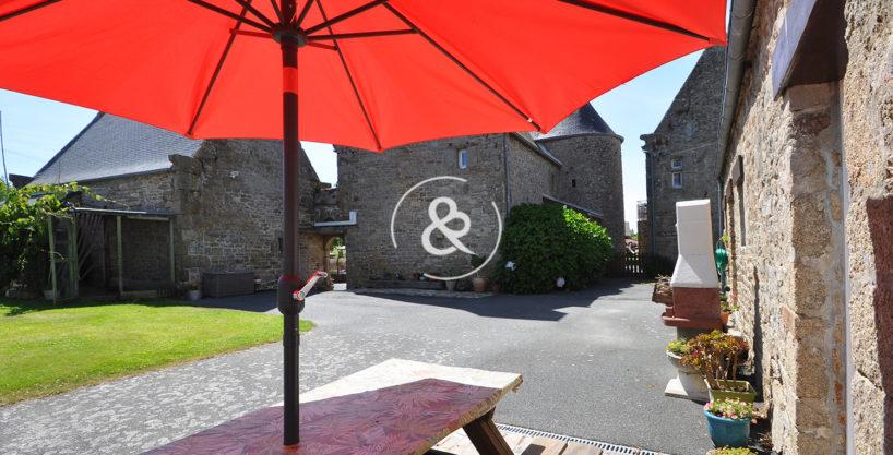 A_vendre_Maison_Demeure_Propriete_Manoir_Gites_Lannion_terrasse_jardin