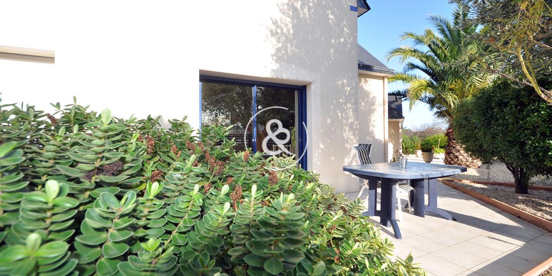 Côte et Bretagne Immobilier - votre agence immobilière de prestige, bord de mer, Saint-Brieuc, Plérin - Côte d'émeraude, Côte de Granit Rose, Baie de Saint-Brieuc - Luxe, charme, maisons contemporaines, maison d'architecte, loft, maison de charm