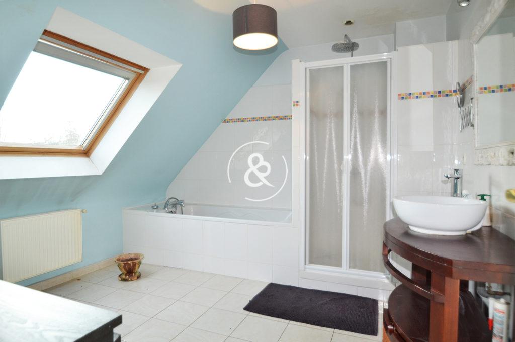 A_vendre_Maison_Demeure_Propriete_Villa_contemporaine_Saint-Brieuc_volumes_terrasse_garage_jardin_cote_et_bretagne_immobilier_luxe_prestige_atypique