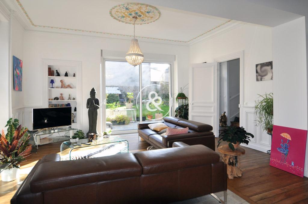 A_vendre_Maison_Demeure_Saint-Brieuc_Centre-ville_Saint-Michel_volumes_terrasse_garage_cave_jardin_cote_et_bretagne_immobilier_luxe_prestige_atypique_