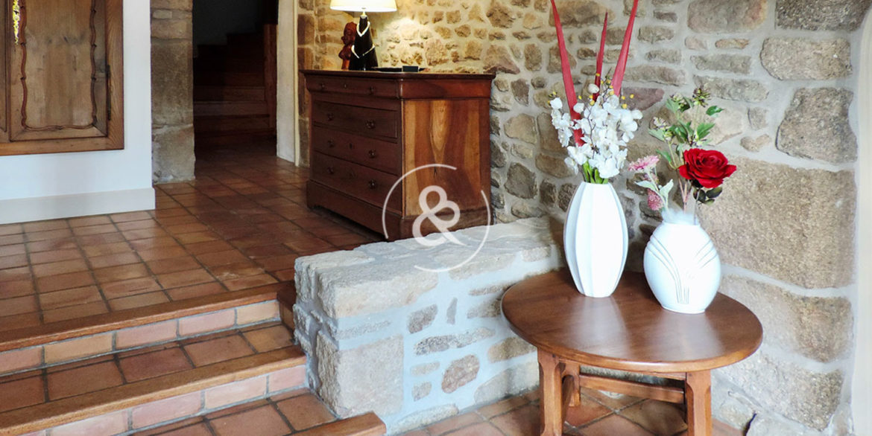 maison-a-vendre-en-pierre-henon-charme-chambre-d'hote-gite-exterieur-13