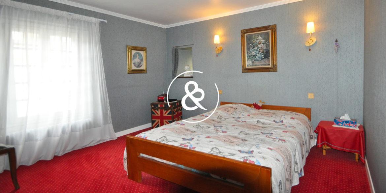 maison-a-vendre-quintin-pierre-luxe-propriete-8