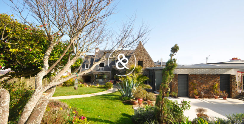 maison-demeure-en-pierre-proche-de-la-mer-jardin-luxe-prestige-05